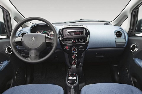 Peugeot iOn interior front view
