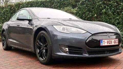 Beths Tesla Model S named Raiju