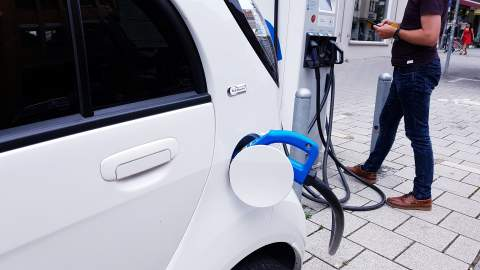 Government doubles funding for on-street residential charge points