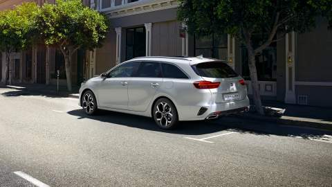 Kia Ceed family grows with two new PHEVs