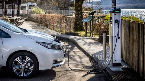 Nissan and EDF Energy team up on cross-continent smart charging development