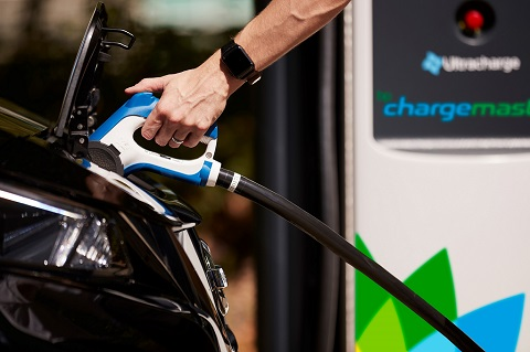 Google Maps adds real-time EV charge point search function