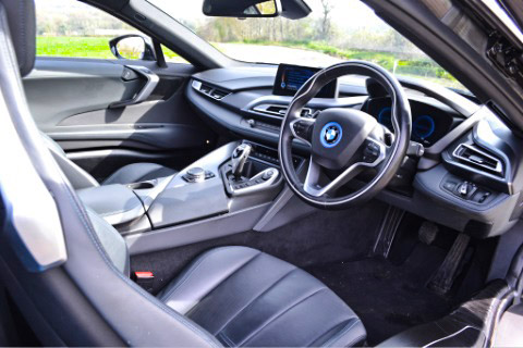 i8 front seats and dashboard