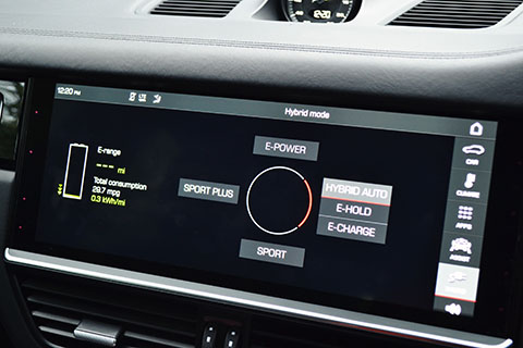Porsche Cayenne E-Hybrid dashboard close view
