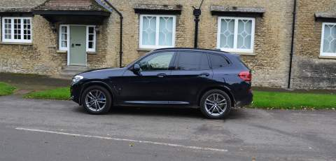 2 BMW X3 xDrive30e side