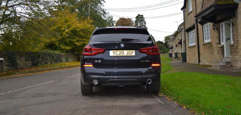 3 BMW X3 xDrive30e rear