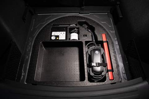 MG ZS charging compartment